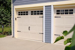 5250-home-garage-door