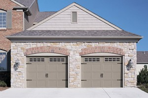 5283-carriage-house-garage-door