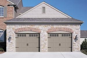 5283-carriage-house-garage-door