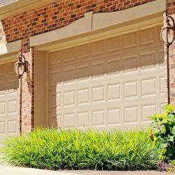 chi-short-raised-panel-garage-door-0003