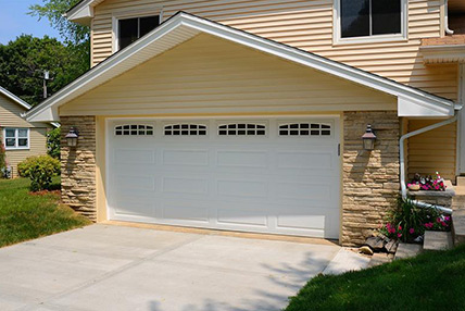 4255-the-garage-doors